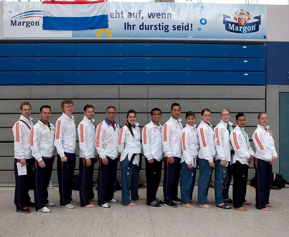 Nationaal Poomsaeteam German Open 2015 (foto Paulien Tabak)